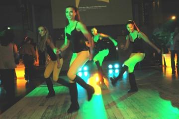 medium_Dancers